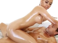 Huge Juggs Woman Aaliyah Hadid Fucked In Oiled Up Booty