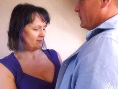 Starsze kobiety filmy obciąganie
