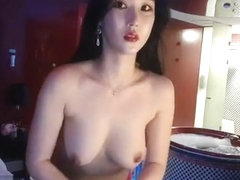 Hot Korean teases on the pole dance