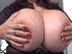 Comely breasty experienced woman haning an incredible masturbation