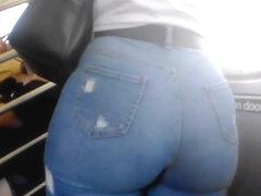 Bubble Ass Latina college girl in Jeans