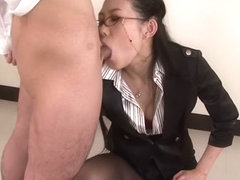 Yui Komine blows her students dick