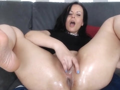 Canadian Pussy_Backyard-Playtime