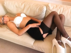 Summer - Secretary striptease