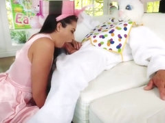 Mom drops off crony' patron's daughter at first porn Uncle Fuck Bunny