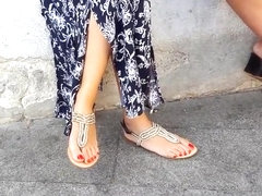 candid college girl perfect long feets hot red toes
