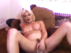 Camgirl Kamilla Mae Sloppy Blowjob and Fuck