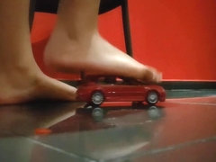 Giantess Yasmin steps on cars