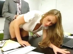 Secretary seduces boss by copying her ass and boobs