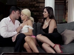 Couple Reena And Ryan Teach Elsa A Real Lesson In Fucking