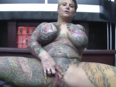 gepiercte pussy anal