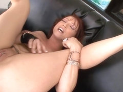 Whore MILF likes it in the Butt