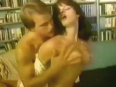 Vintage : Getting dirty in the library - BG972