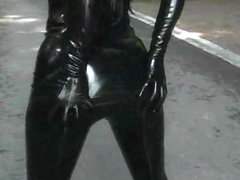 L.Anga uniform latex