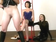 Interracial lesbea fucker masturbatian