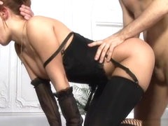 Teen gal spreads buttocks getting shlong in taut anal hole