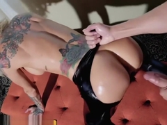 Brazzers - Alt rockslut Sarah Jessie loves leather and big dick