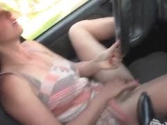 Aden Rose cums in the car