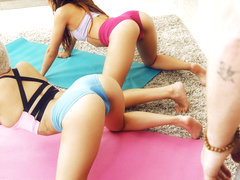 Aaliyah Hadid & Jessy Jones in Yoga Assistant - RoundandBrown