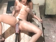 Extreme masturbation with fucking machines