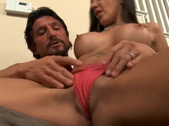Stunning milf Amy Fisher gives head to Tommy Gunn