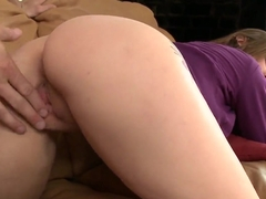 Marvelous Araya Sun is sucking cock